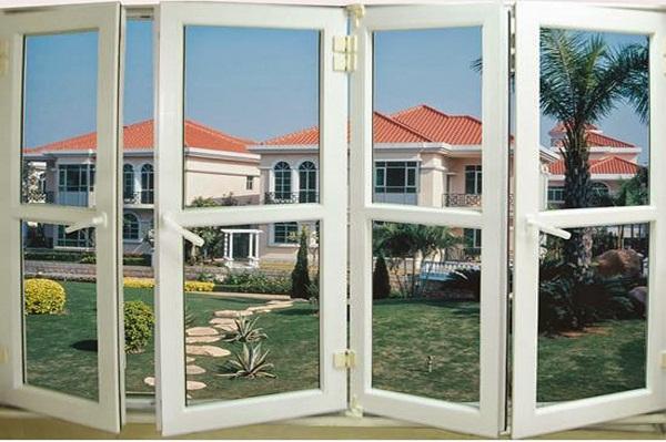 Ngôi biệt thự được thi công lắp đặt với toàn bộ bằng cửa nhôm PMI đồng màu
