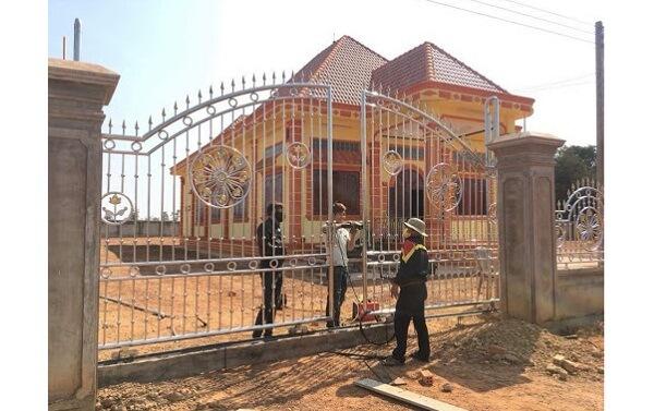 Thi công lắp đặt cổng nhà tại Quảng Ngãi