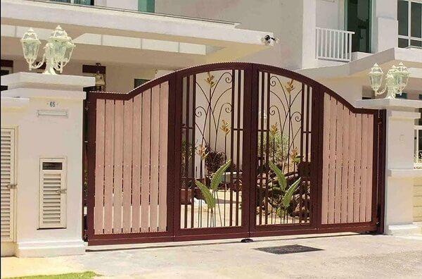 Lớp sơn tĩnh điện sẽ tăng độ thẩm mỹ và bền bỉ cho cổng nhà của bạn