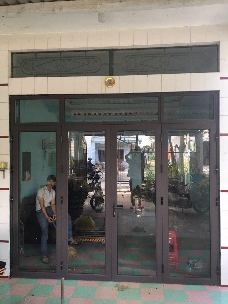 Mẫu cửa đi nhôm konig 4 cánh hiện đại