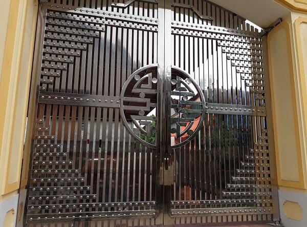 Cổng ngõ inox truyền thống