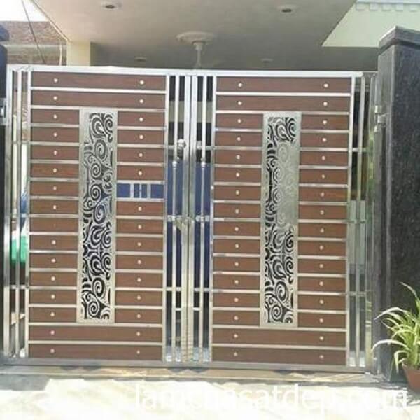 Mẫu cổng nhà bằng inox 2 cánh chắc chắn