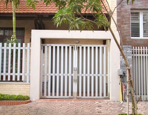 Mẫu cửa ngõ 2 cánh khung chữ nhật được sử dụng nhiều