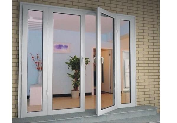 Bộ cửa đi nhôm kính màu trắng 4 cánh hài hòa