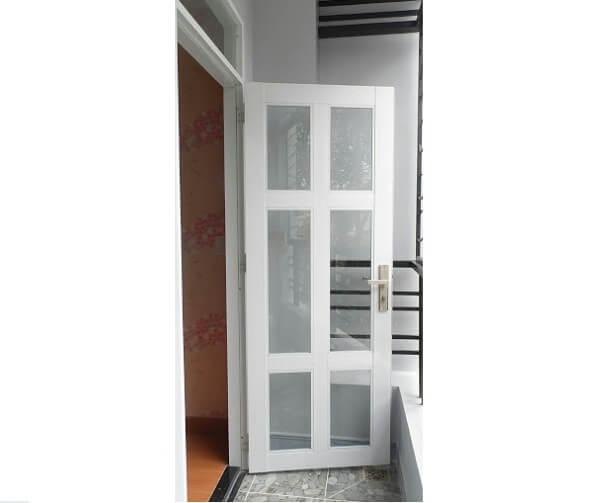 Mẫu cửa nhôm kính phòng vệ sinh 1 cánh màu đen, kính đục