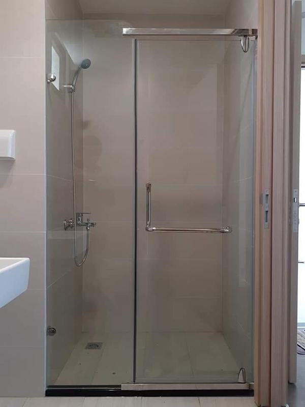 Mẫu phòng tắm kính 1