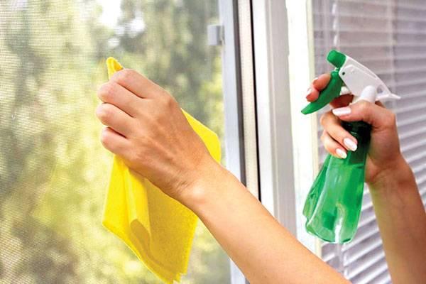 Cách vệ sinhcửa kính cường lực
