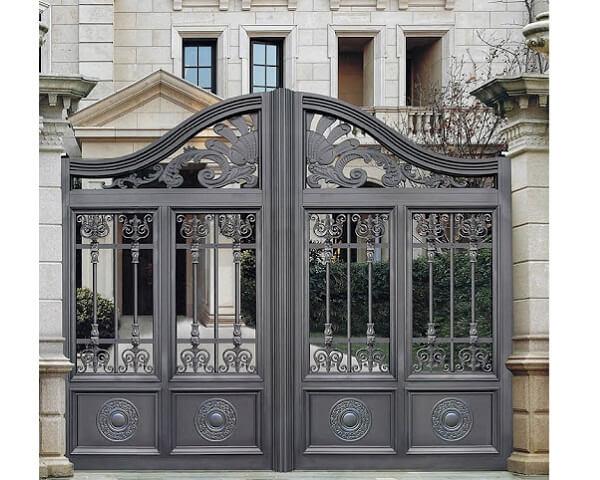 Đội ngũ nhân công lành nghề sẽ cho ra công trình cổng nhà hoàn hảo