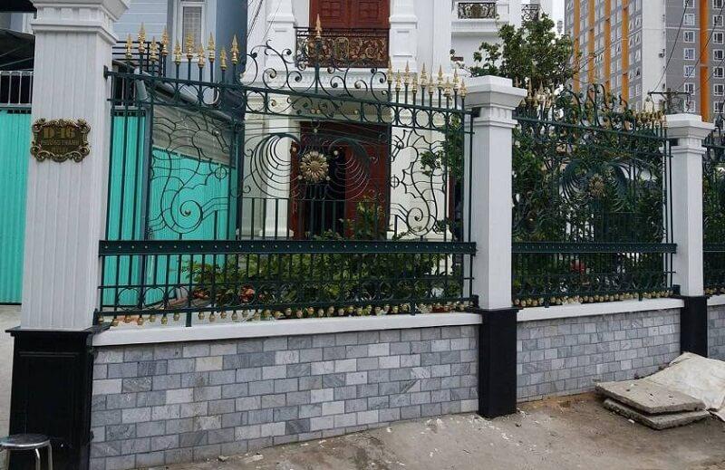 Hàng rào sắt mỹ thuật độc đáo cho biệt thự