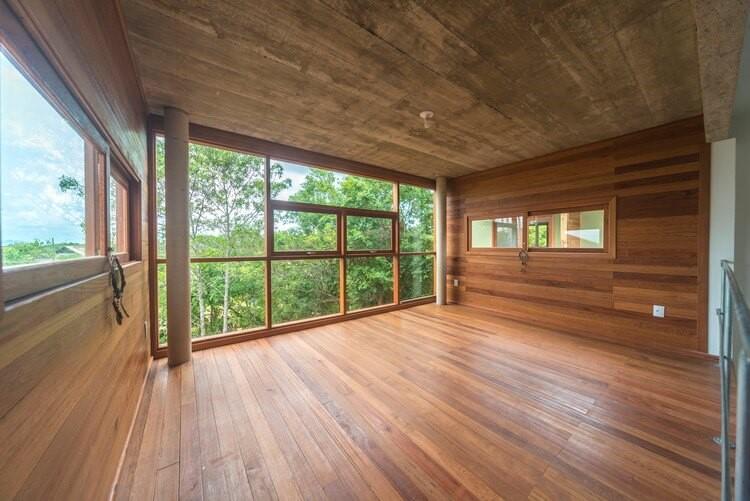 Khung cửa sổ gỗ đẹp 2020