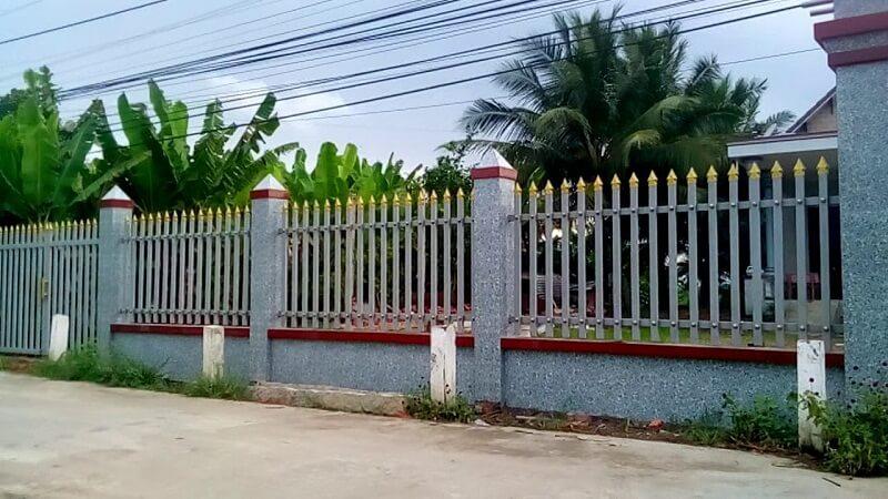 Hàng rào sắt bổ sung tam giác nhọn bảo vệ nhà cấp 4