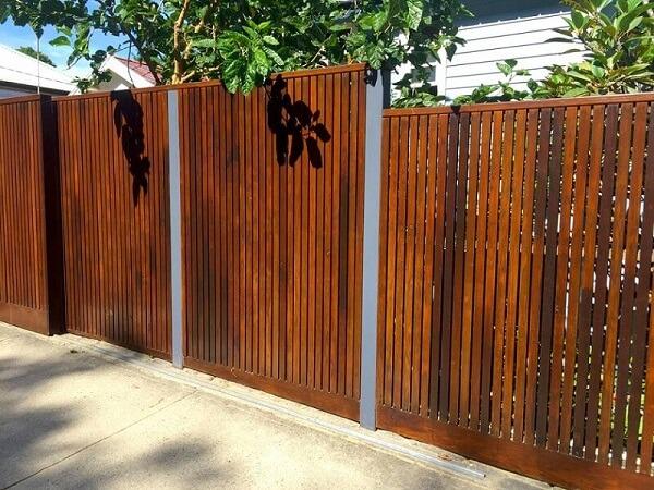 Tùy hướng nên xây hàng rào phù hợp để đón vượng khí