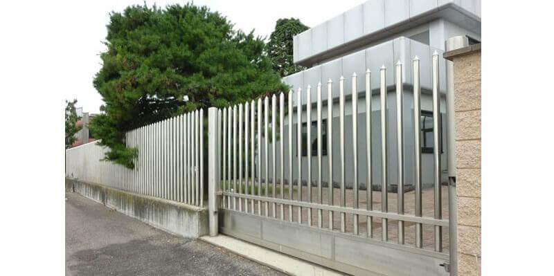 Hàng rào inox được sử dụng phổ biến hiện nay