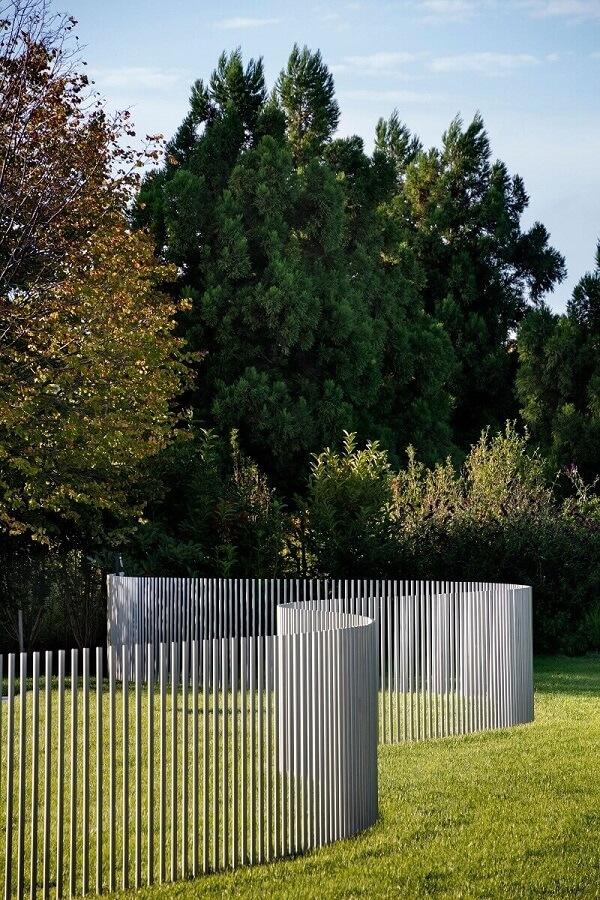 Mẫu hàng rào inox có kiến trúc hiện đại, thẩm mỹ