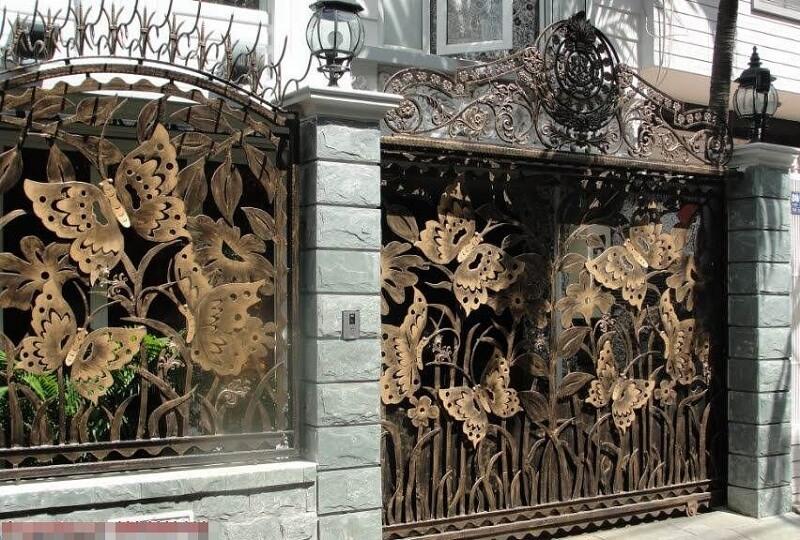 Hàng rào sắt họa tiết hình con bướm rất đẳng cấp