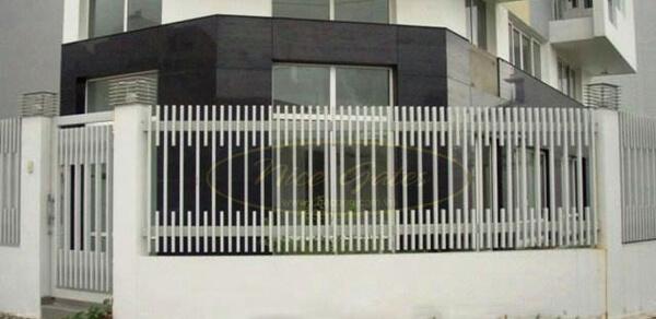 Mẫu hàng rào sắt nhà phố ít không gian