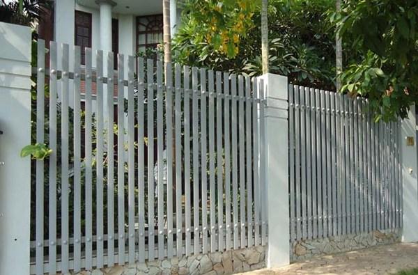 Mẫu hàng rào sắt hộp vuông