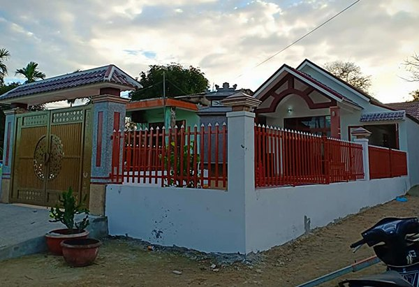Mẫu hàng rào sắt vùng thôn quê