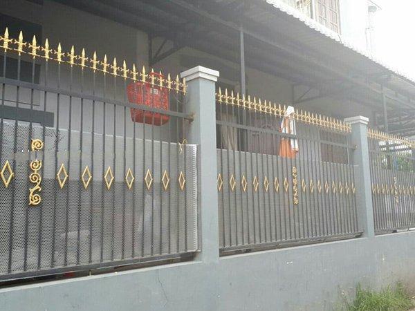 Mẫu hàng rào sắt nhà cấp 4