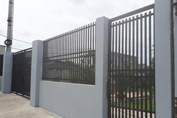 Mẫu hàng rào sắt đơn giản, an toàn