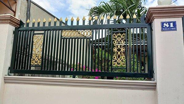 Mẫu hàng rào sắt sang trọng