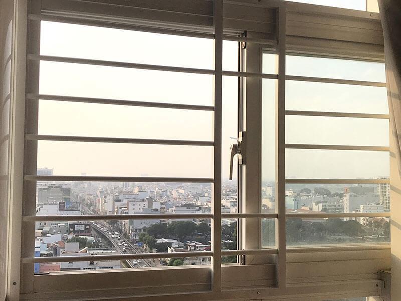 Mẫu khung bảo vệ cửa sổ thanh ngang