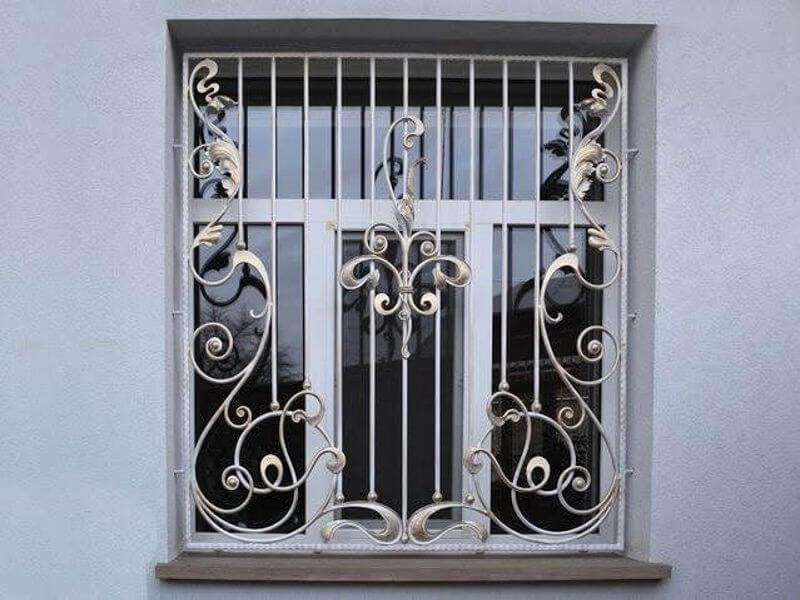 Mẫu khung bảo vệ cửa sổ họa tiết đường cong uốn lượn độc đáo