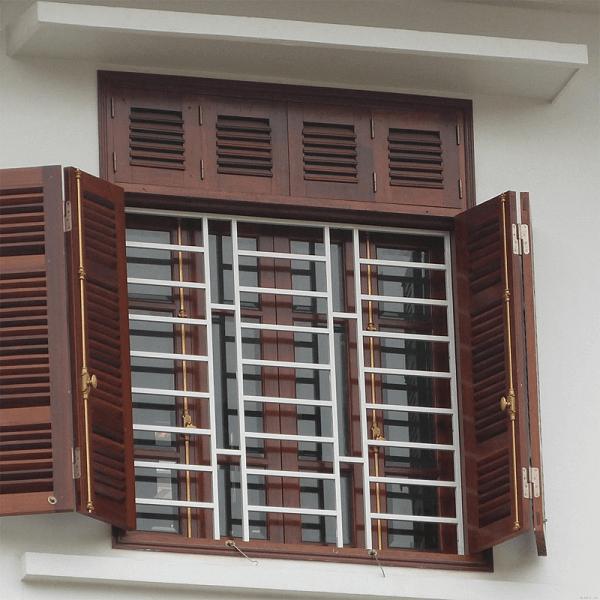 Mẫu khung bảo vệ cửa sổ sắt cho cửa sổ gỗ 4 cánh