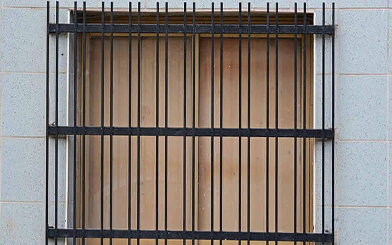 Mẫu khung bảo vệ cửa sổ sắt chắc chắn