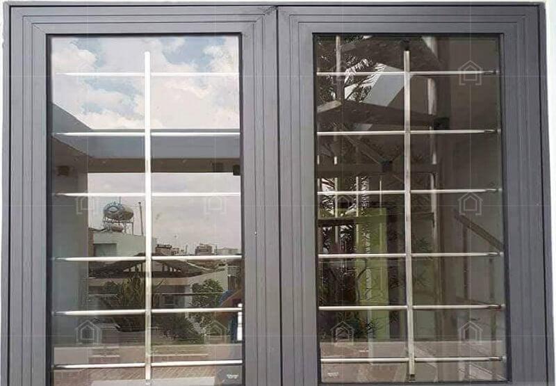 Mẫu khung bảo vệ cửa sổ sắt 2 cánh