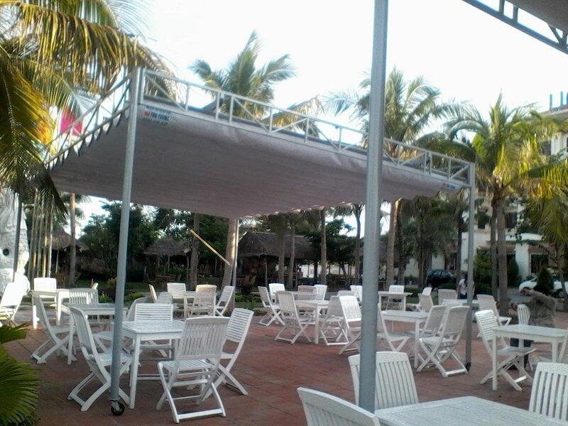 Mẫu mái che di động dùng cho các nhà hàng