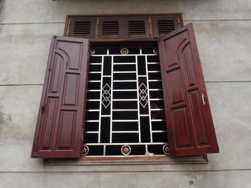 Mẫu khung cửa sổ bằng inox 2 cánh đơn giản