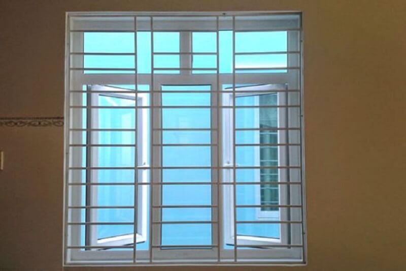 Mẫu khung cửa sổ bằng inox cho nhà hiện đại