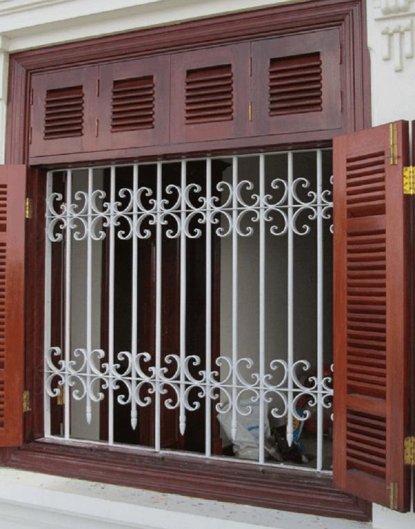 Mẫu khung cửa sổ bằng inox phức tạp an toàn