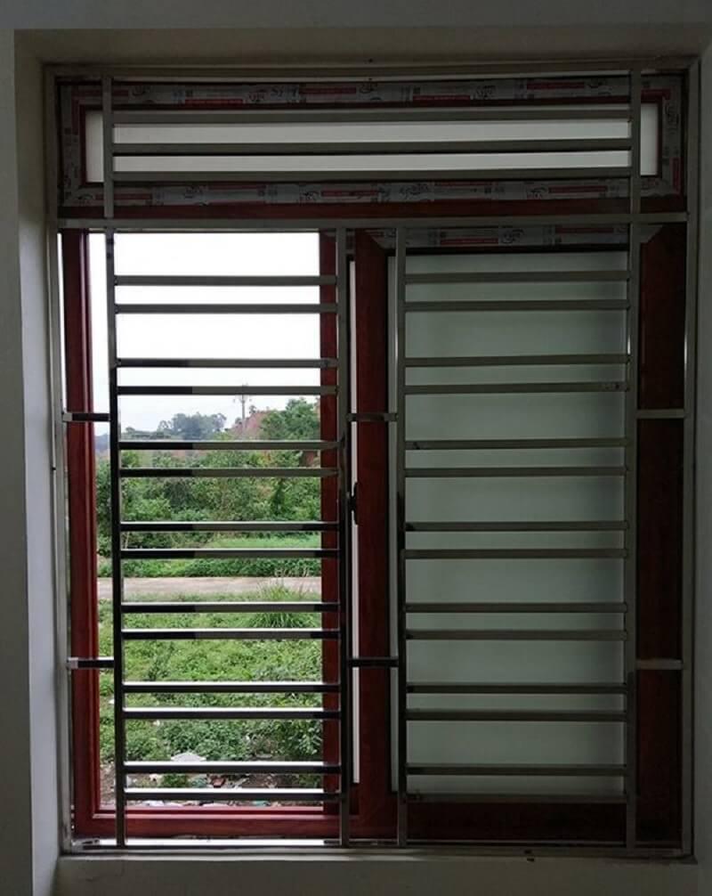 Mẫu khung cửa sổ bằng inox hai cánh đơn giản