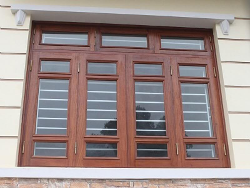 Mẫu khung cửa sổ bằng inox 4 cánh gỗ cổ điển