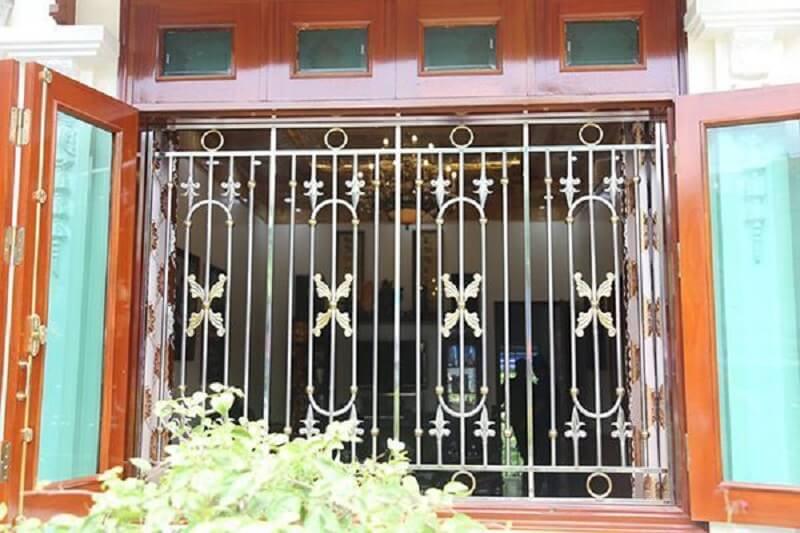 Mẫu khung bảo vệ cửa sổ inox đẹp sang trọng cho nhà cổ điển 2020