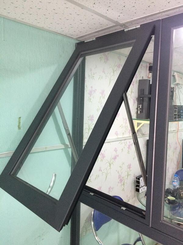 Cửa sổ hất nhôm PMI 1 cánh