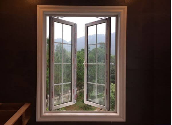 Mẫu cửa sổ nhôm kính VFP 2 cánh màu trắng sang trọng