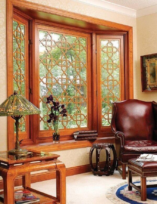 Mẫu khung cửa sổ gỗ phức tạp 2020