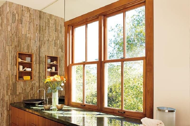 Mẫu khung bảo vệ cửa sổ gỗ thoáng mát cho nhà hiện đại