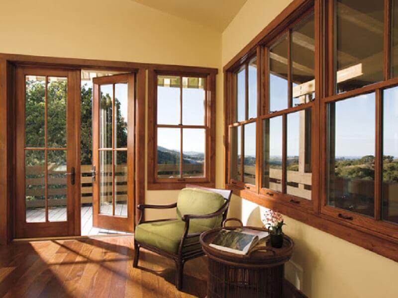 Mẫu khung bảo vệ cửa sổ gỗ cho nhà hiện đại 2020