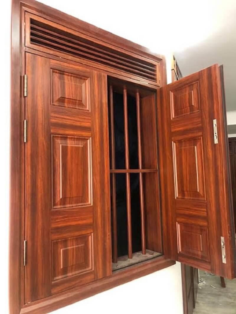 Mẫu khung bảo vệ cửa sổ gỗ tinh tế cho nhà hiện đại