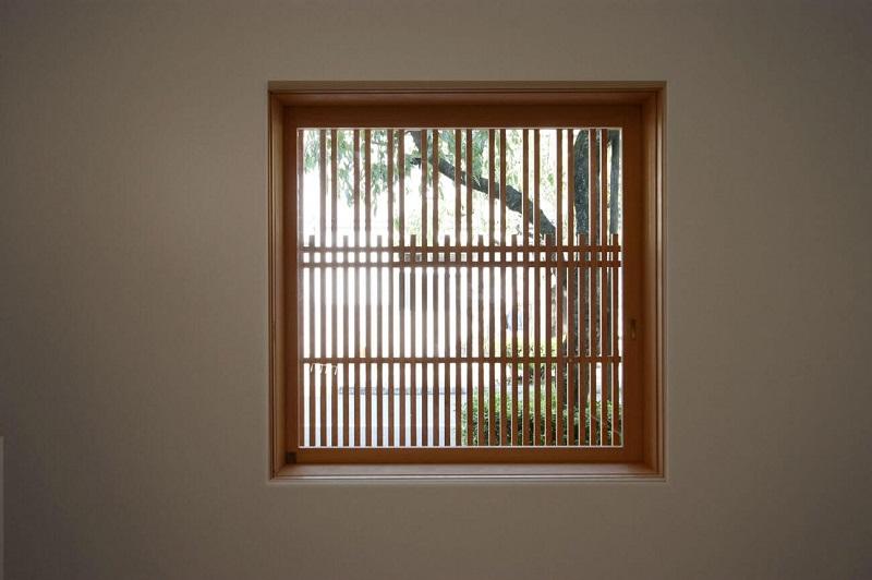 Mẫu khung bảo vệ cửa sổ gỗ đẹp một cánh 2020