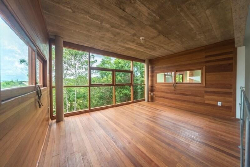 Mẫu khung bảo vệ cửa sổ gỗ đẹp cho nhà thoáng mát