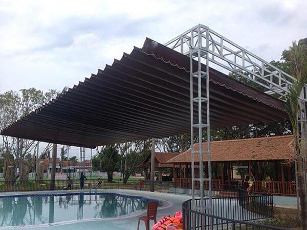 Mẫu mái hiên di động cho bể bơi trong nhà