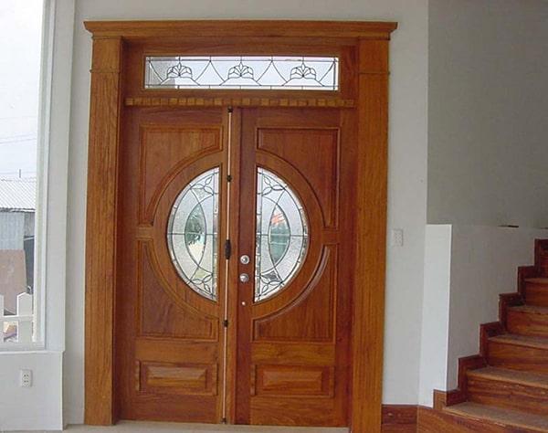 Các cửa nhôm giả gỗ được thiết kế với đa dạng kiểu dáng và màu sắc nên người ta cũng khó có thể phân biệt được. kiểu dáng cửa nhôm giả gỗ vô cùng đẹp, tinh xảo khó chê vào đâu được