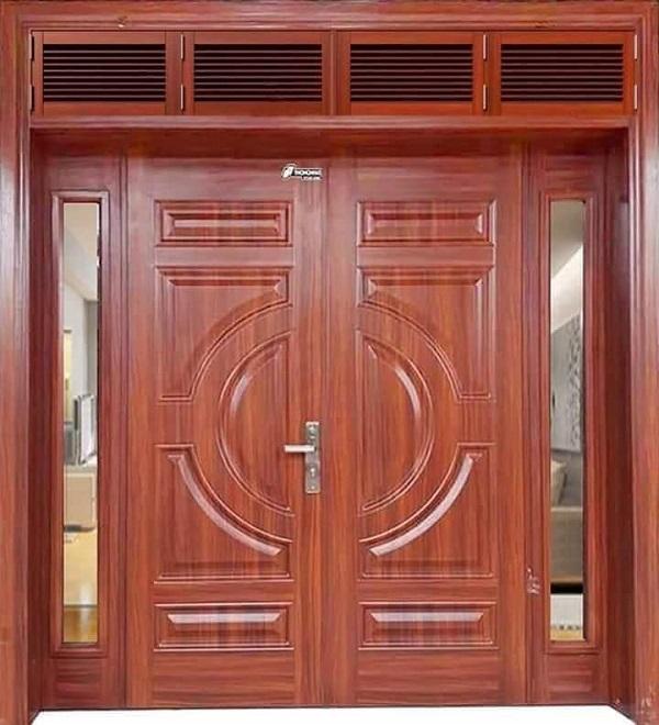 Các tông màu gỗ tuy có khác nhau về kiểu dáng họa tiết nhưng nhìn chung vẫn duy trì được vẻ đẹp cổ kính dù là chất liệu làm cửa sử dụng gỗ thật hay giả gỗ