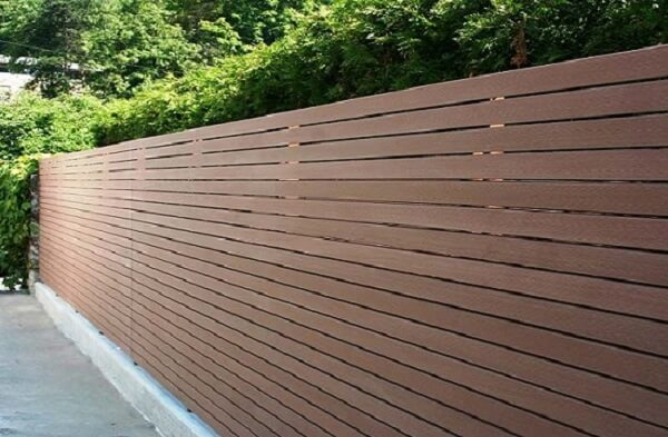 Mẫu hàng rào gỗ nhựa ngoài trời kín đáo