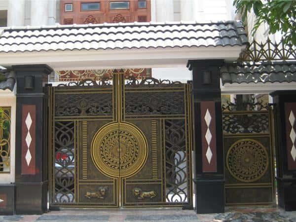Mẫu cổng biệt thự kín đáo, cao cấp